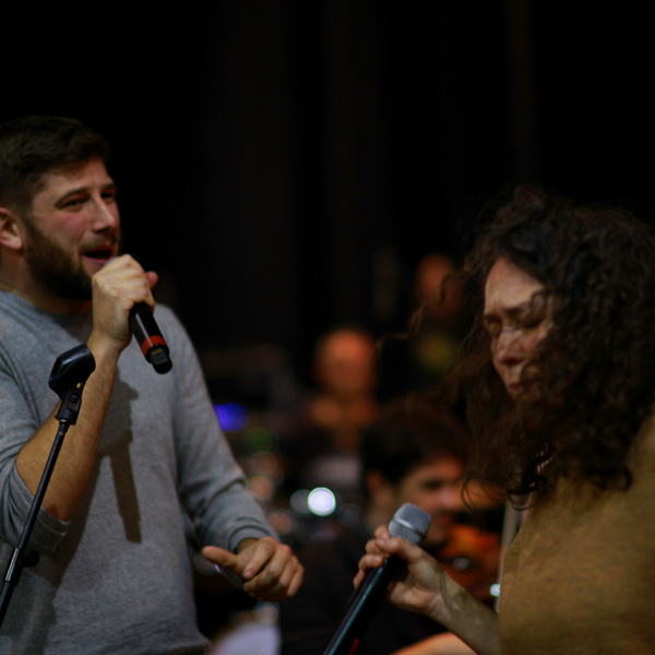 I vocalist e gli 80 allievi di Art Voice Academy al concerto-evento Ferrara Christmas Pop Rock